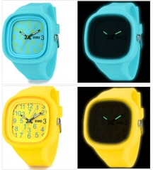 Glow in Dark Silicone Jelly Wrist Watch pour le jour de Noël